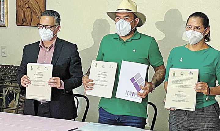 Firma Yautepec convenio con el IMIPE por la transparencia