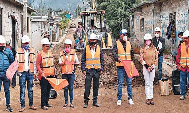 Banderazo a obras en Tetela del Volcán