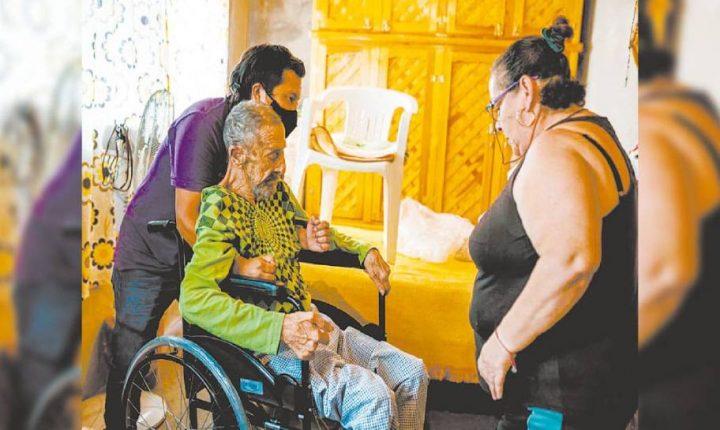 DIF Morelos distribuyó sillas de ruedas y transporte