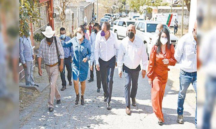 En Tlayacapan, Ejecutivo de Morelos da inicio a línea de conducción de agua