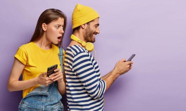 ¿Qué es la infidelidad virtual? Descubre si esta presente en tu relación