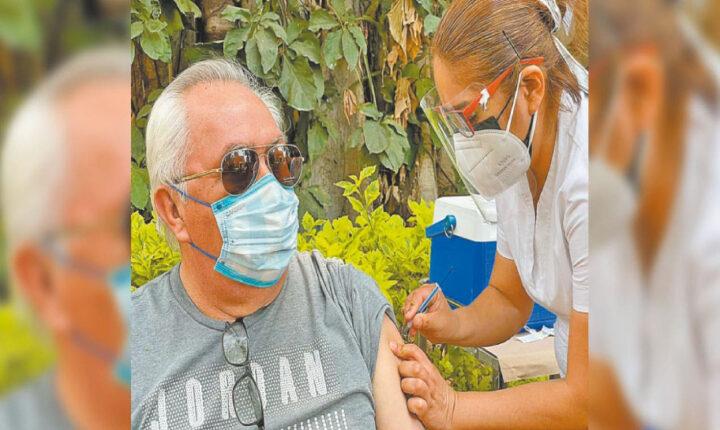 Avanza inmunización de adultos mayores en Morelos