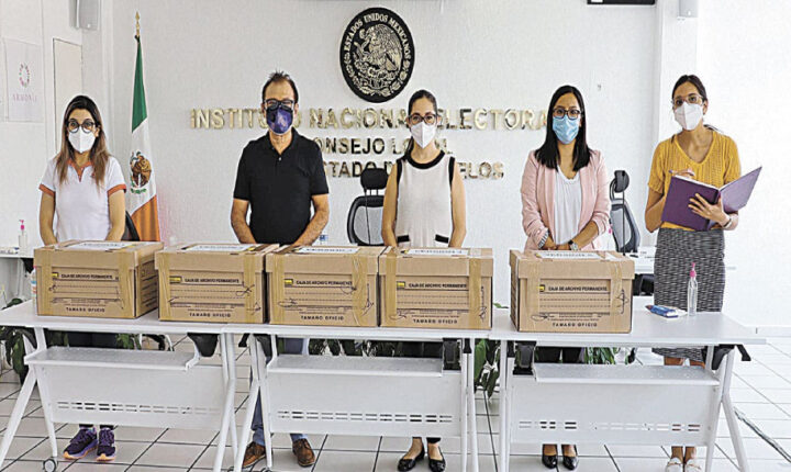 Entrega INE 1,500 exámenes para seleccionar supervisores