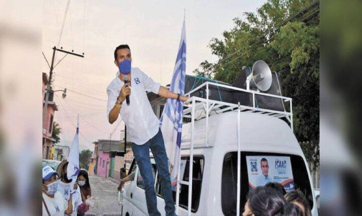 Va Isaac Pimentel por la reelección en Ayala
