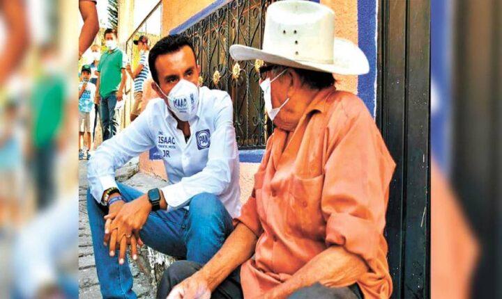 Propone JR apoyo al campo en Ayala