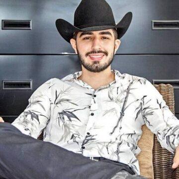 Joss Favela estrena su disco 'Llegando Al Rancho', demostrando su orgullo por sus raíces
