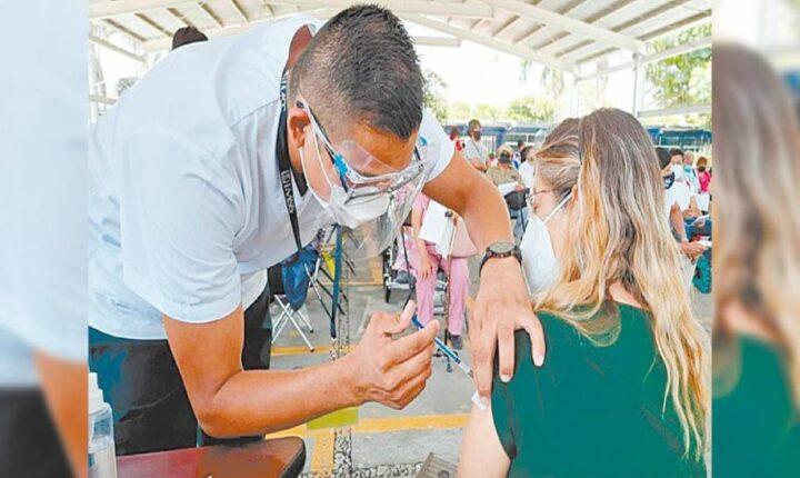Concluye vacunación de 47 mil trabajadores de la educación en Morelos
