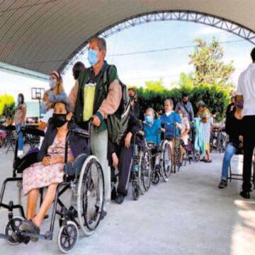 Aplican segunda dosis a adultos mayores en Yecapixtla