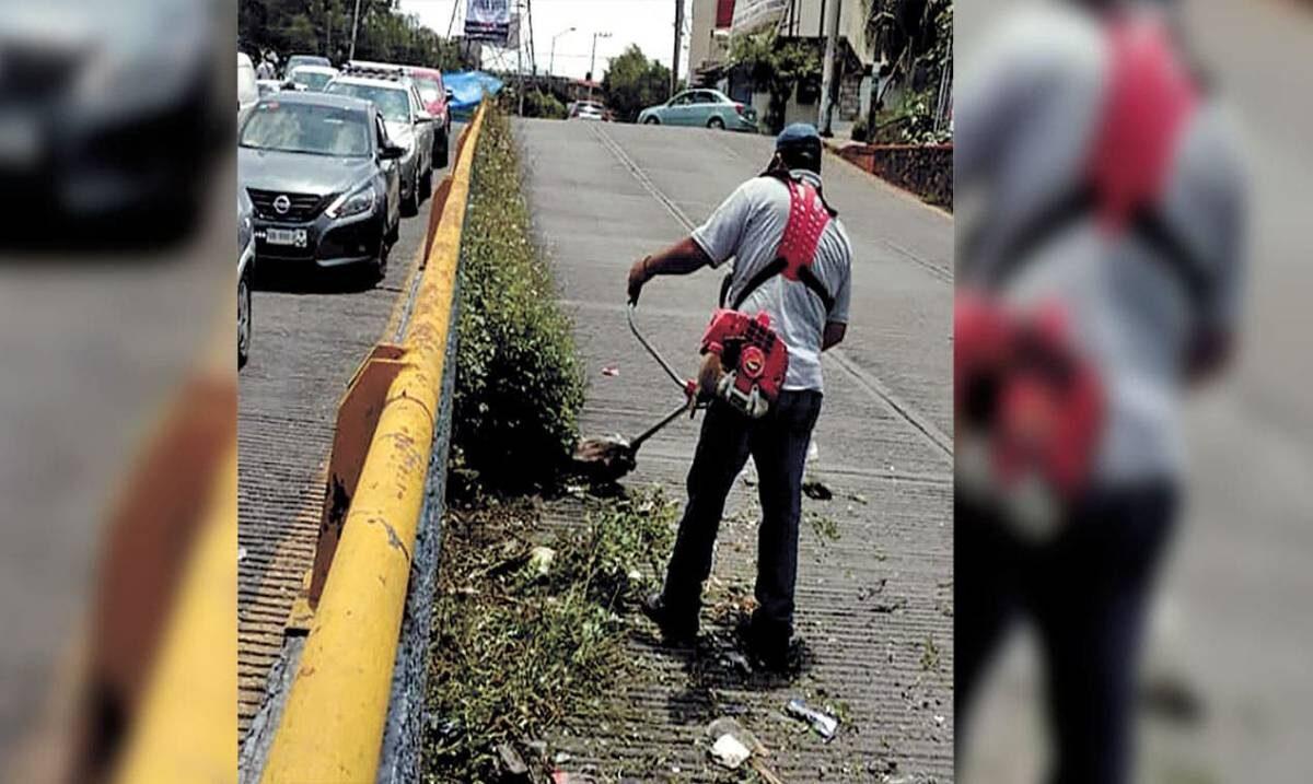 Retiran tres toneladas de desechos de camellón de Plan de Ayala