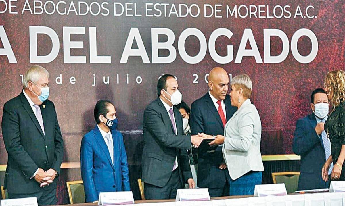 Reconoce Cuauhtémoc Blanco la labor de abogados y abogadas