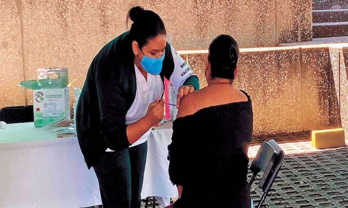 Toca hoy vacuna a población de 30-39 años en Jiutepec; mañana, en Cuernavaca