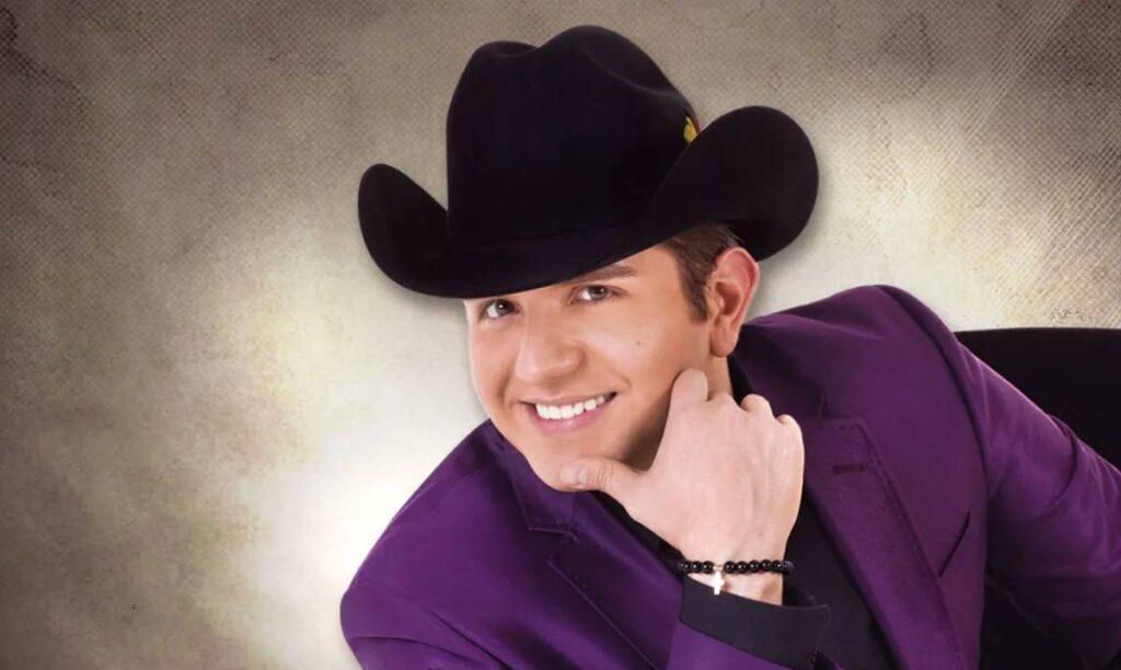 El Dasa cantante del regional mexicano se convierte en padre de gemelos