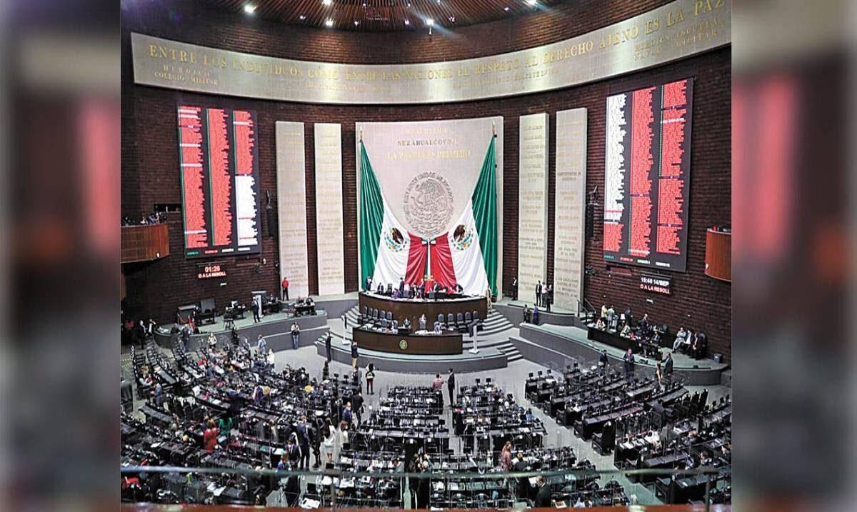 Fiscal Uriel Carmona sin fuero, vota Cámara de Diputados