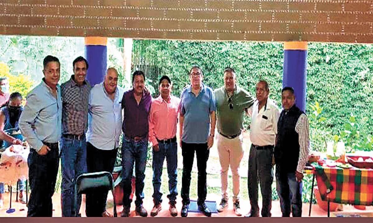 Se reúne Víctor Mercado con transportistas de Tepoztlán