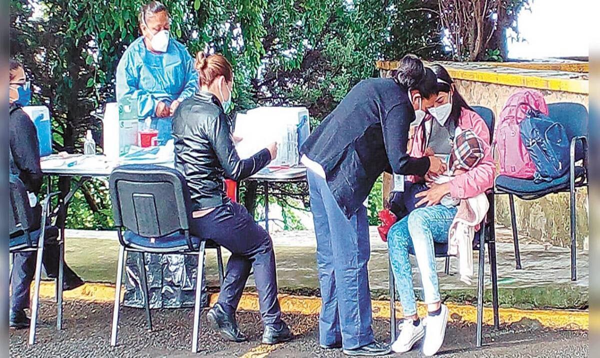 En macro módulo de UAEM reciben desde ayer y hasta el viernes a menores para aplicar vacunas faltantes