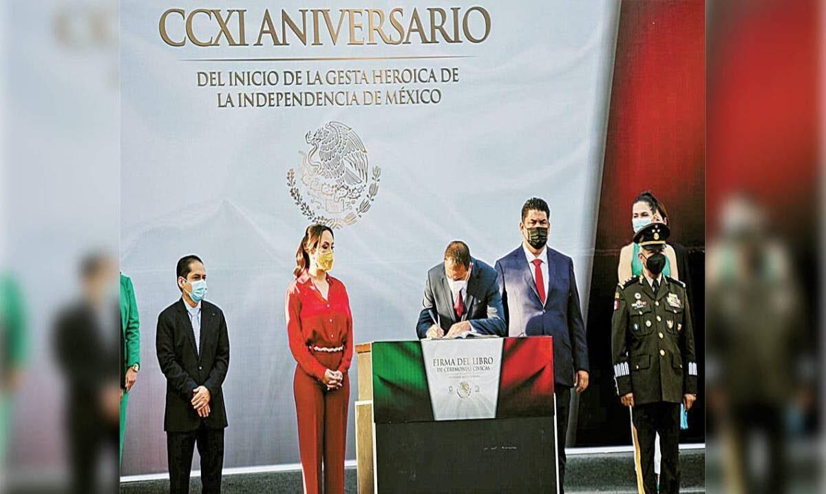 Encabeza Cuauhtémoc Blanco conmemoración del Inicio de la Independencia de México