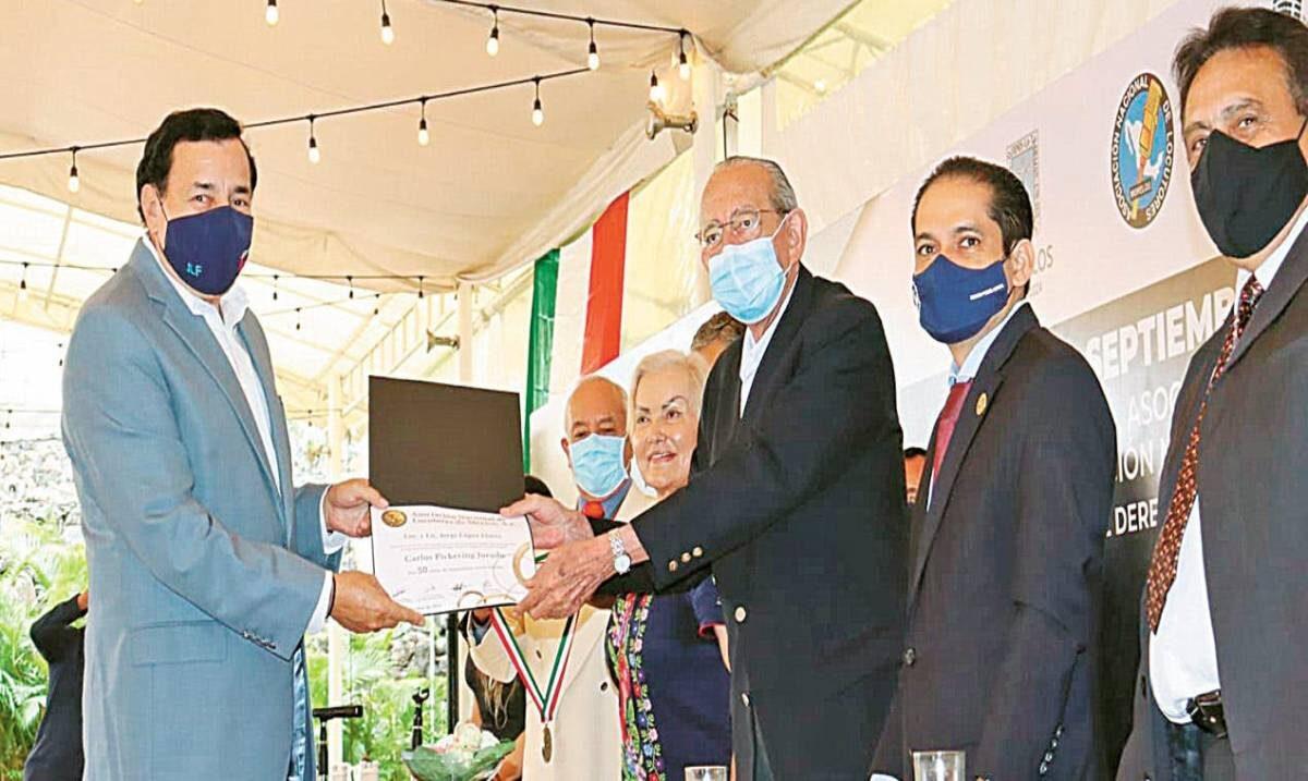 Entregan reconocimientos en el Día del Locutor en Morelos