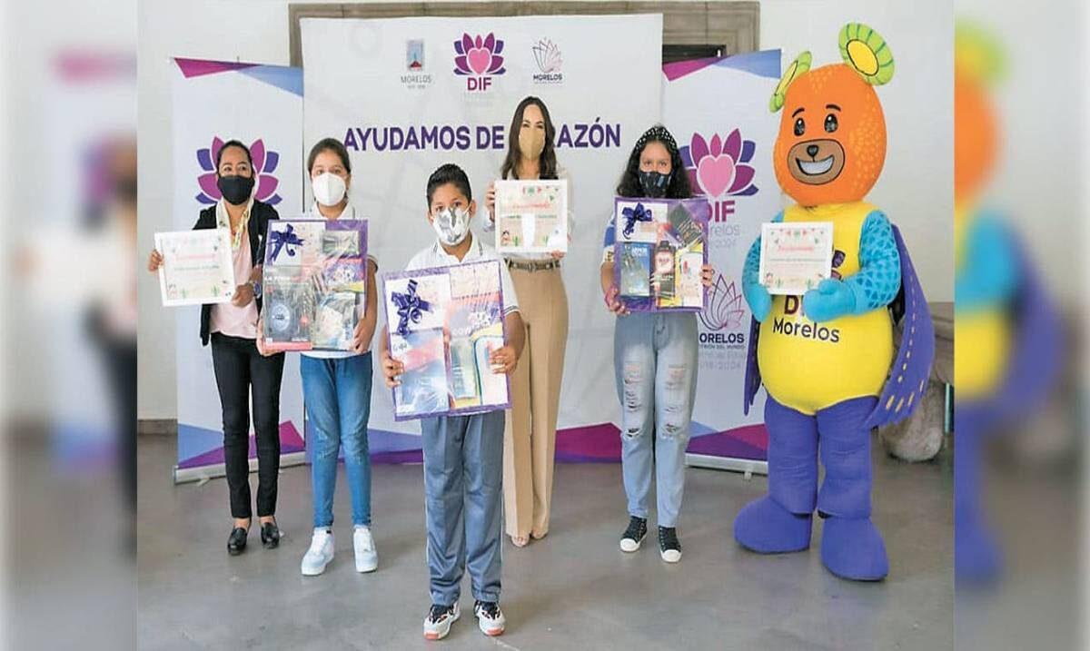 Premia DIF Morelos a ganadores de concurso de dibujo