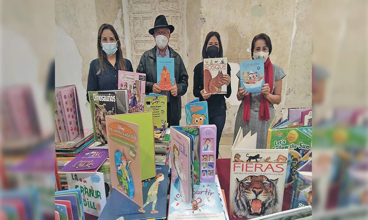 Reciben donación de libros para niños de la capital