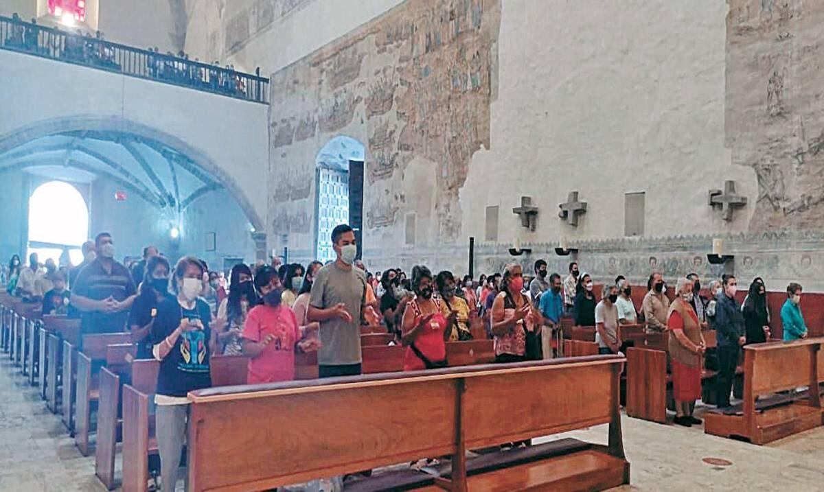 """Cambian políticos sentido a """"servicio"""": vicario"""