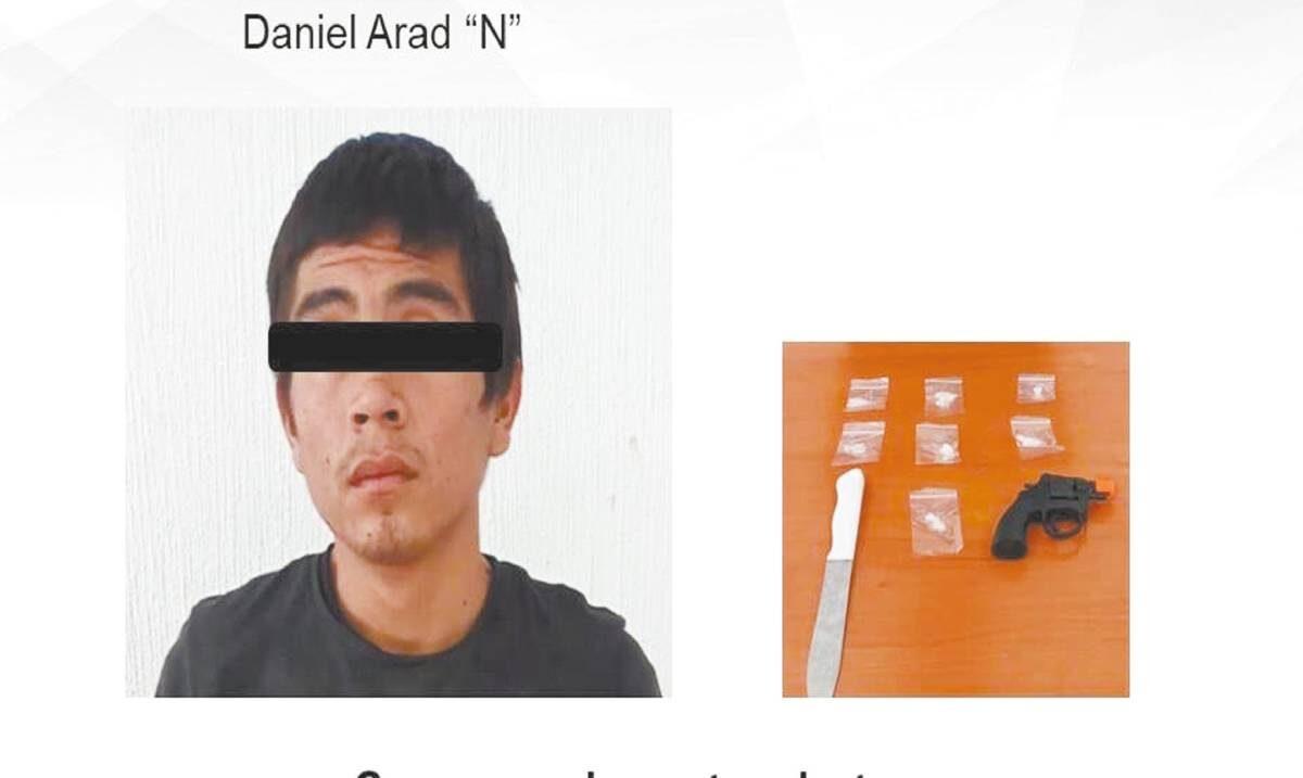 Traía dosis de droga y arma de plástico